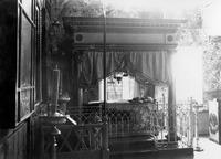 Рака с мощами прп. Варнавы Ветлужского в Никольской ц. Варнавиной пуст. Фотография. 1908 г.